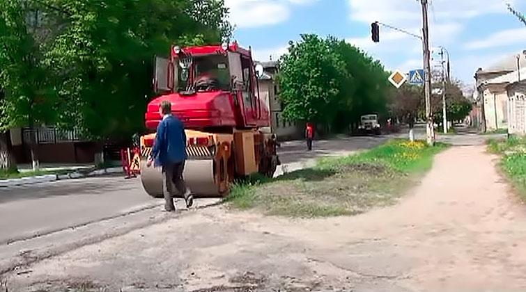 Работники ОАО «ДРСУ» 5 мая начали текущие ремонтные работы дорожного покрытия