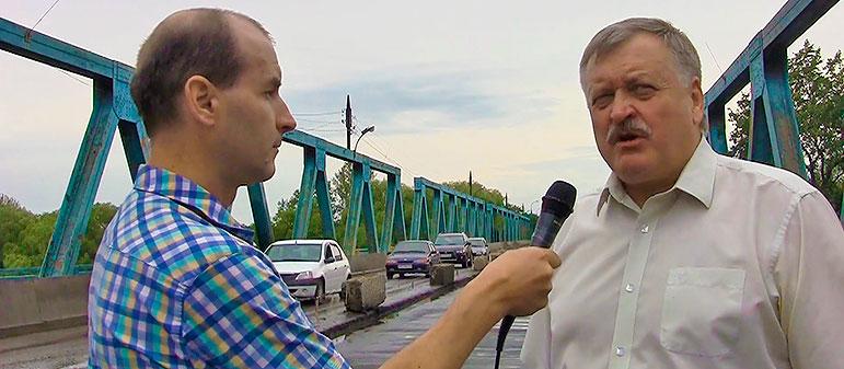 Ремонт моста и дороги в Изюме закончат ко Дню Независимости Украины