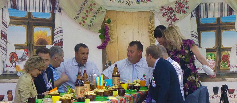 Украинцы тратят на еду почти больше всех в мире