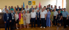 Иностранные делегации городов-побратимов поздравили Изюм с важным событием