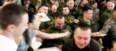 Изюмчане поздравили Защитников Украины [видео]
